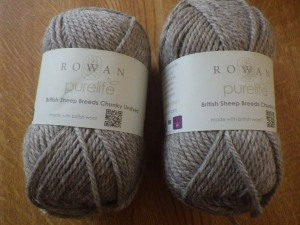 Chunky British Suffolk yarn for a really warm shawl