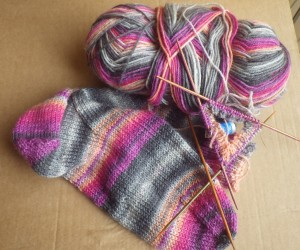 I love sock knitting... especially with self-patterning yarn