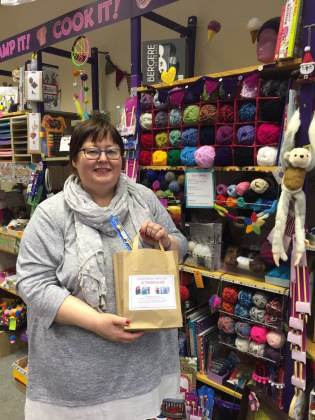 Cllr Sue with her Twiddlemuff kit (c) The Make It Shop